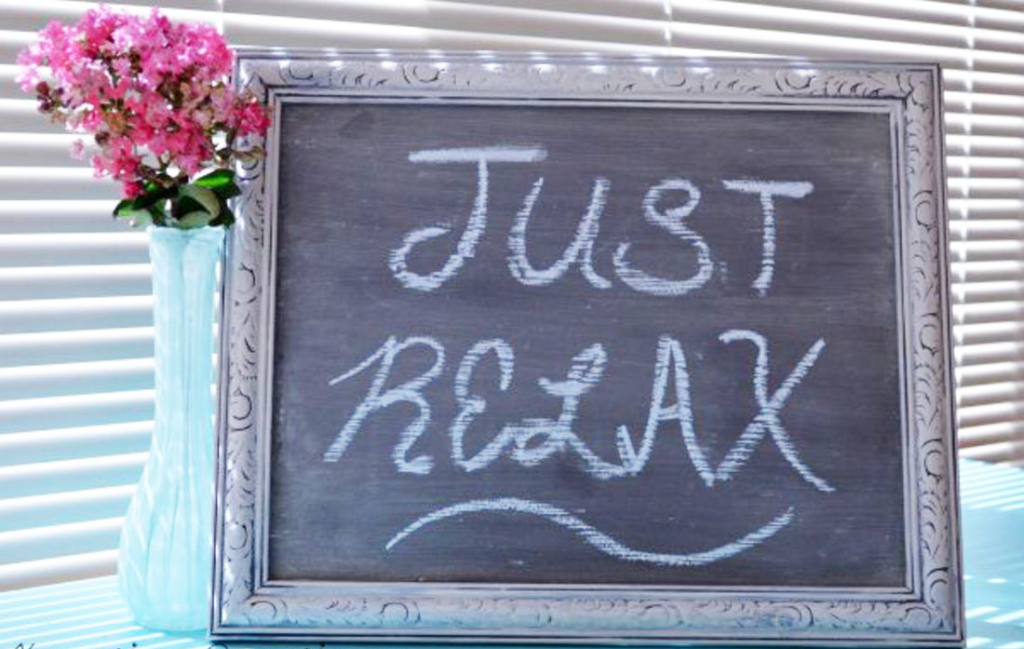 DIY Chalkboard Sign - The Kreative Life