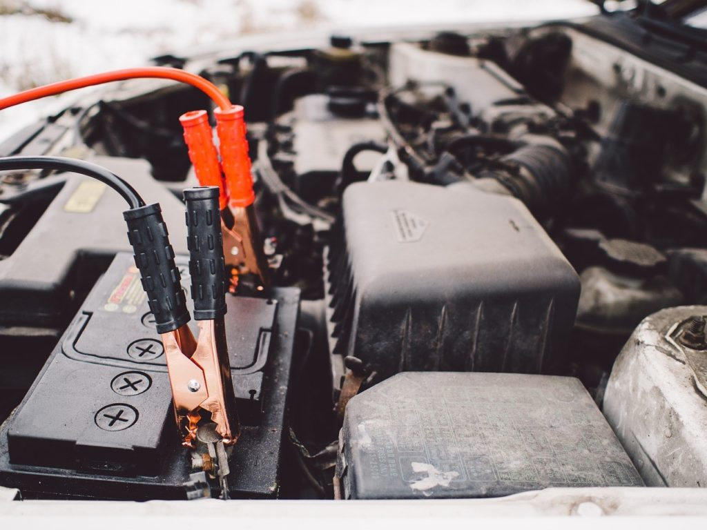 Avoiding a dead car battery during the summer is a must! The summer heat can cause the battery to die, but taking a few precautions can save you money and keep you cool! - The Kreative Life